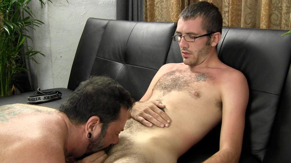 Straight-Fraternity-Reese-Straight-Young-Guy-Barebacking-a-Hairy-Muscle-Daddy-Amateur-Gay-Porn-14 Amateur Young Straight Guy Barebacks a Hairy Muscle Daddy
