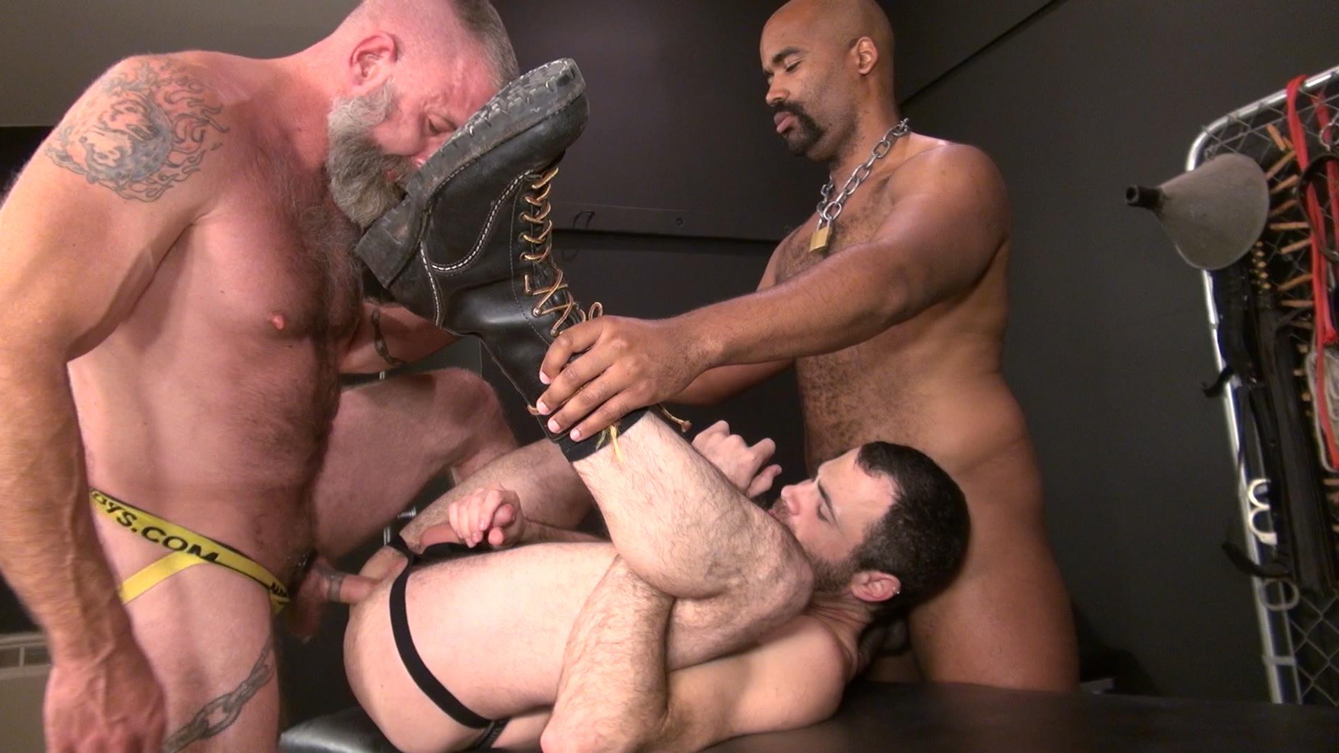 Raw-and-Rough-Jake-Wetmore-and-Dusty-Williams-and-Kid-Satyr-Bareback-Taking-Raw-Daddy-Loads-Cum-Amateur-Gay-Porn-04 Hairy Pup Taking Raw Interracial Daddy Loads Bareback