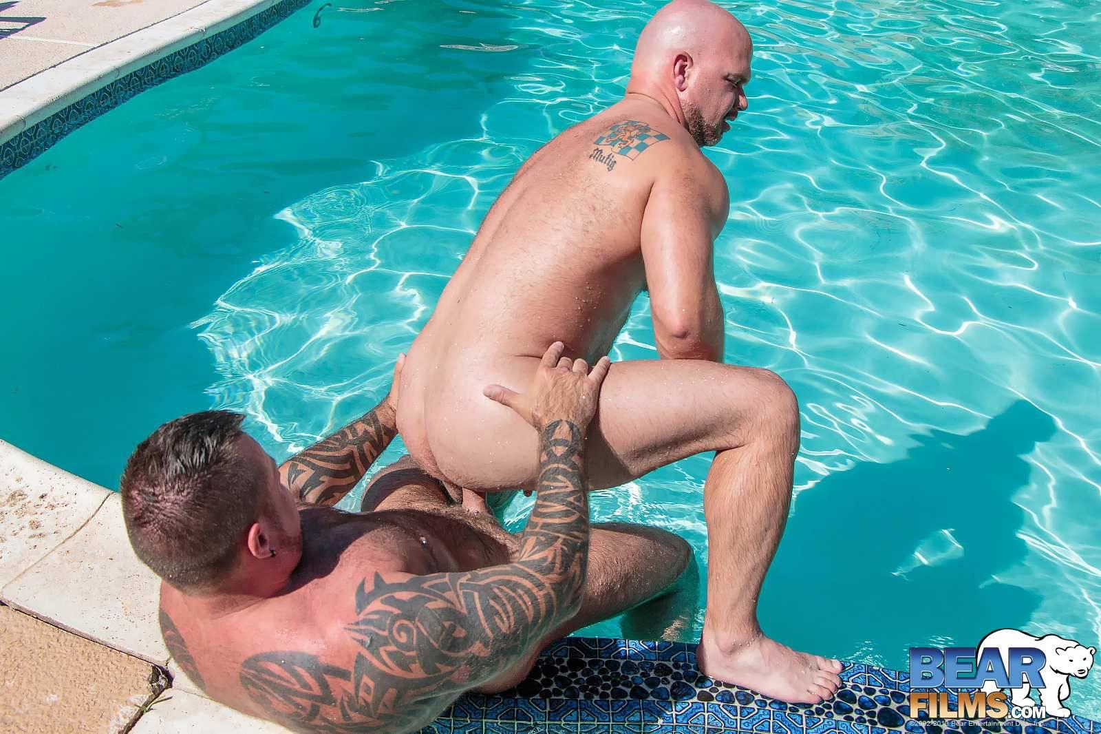Bear-Films-Marc-Angelo-and-Wade-Cashen-Hairy-Muscle-Bears-Fucking-Bearback-Amateur-Gay-Porn-16 Hairy Muscle Bears Fucking Bareback At The Pool