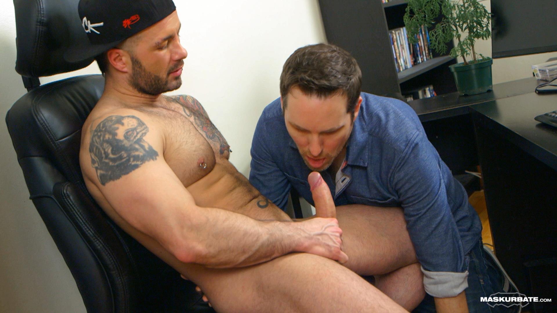 Maskurbate-Manuel-Deboxer-Gets-His-Big-Uncut-Cock-Sucked-Amateur-Gay-Porn-09 Manuel Deboxer Gets His Big Uncut Cock Sucked Off