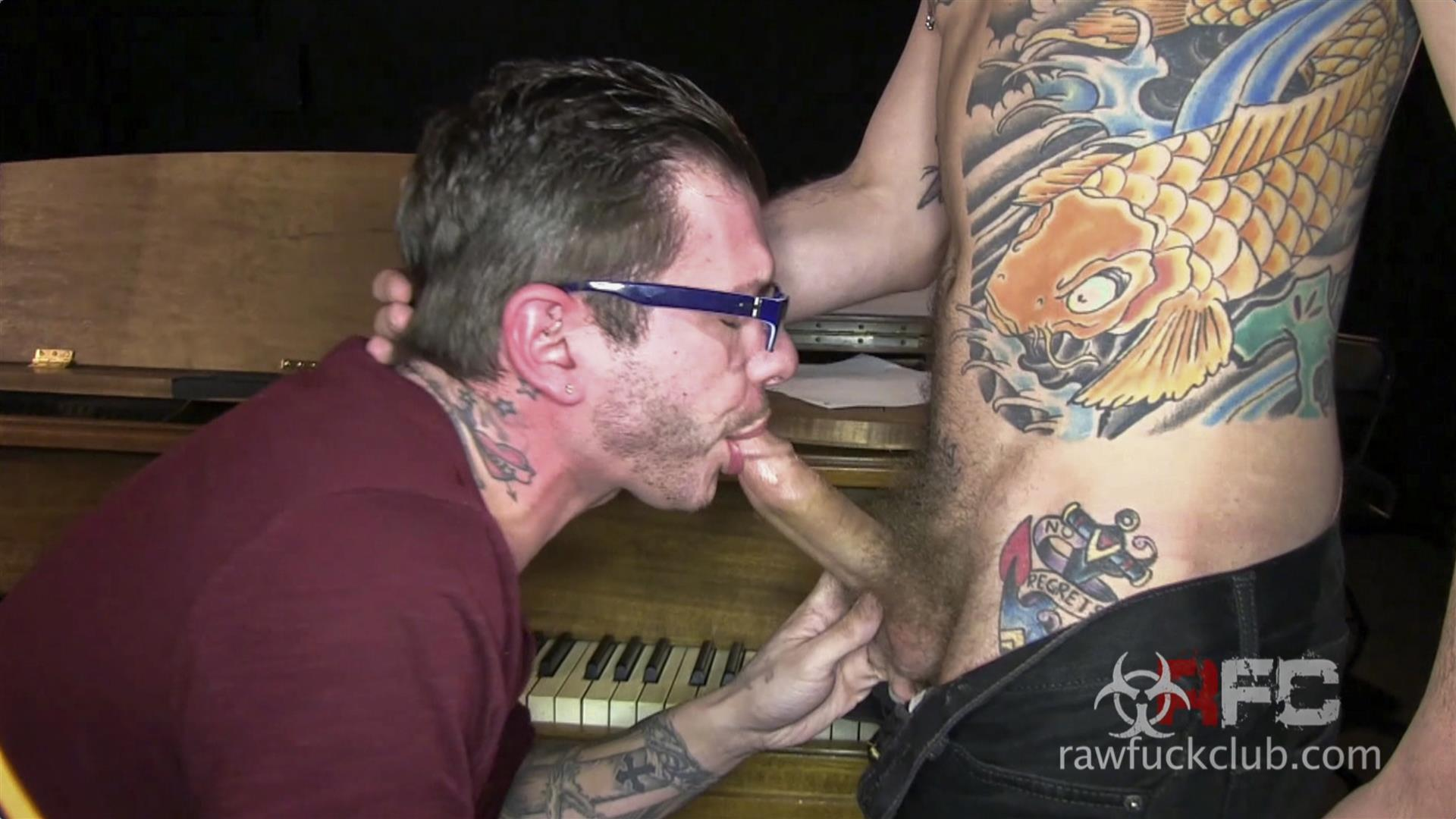 Bareback Guy Gets Facial - Free Porn Videos -