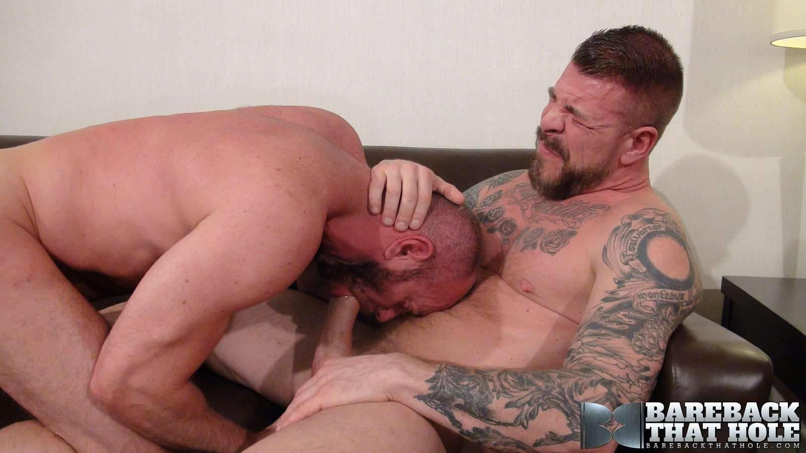 Daddy matt stevens takes huge dildo in gape 10