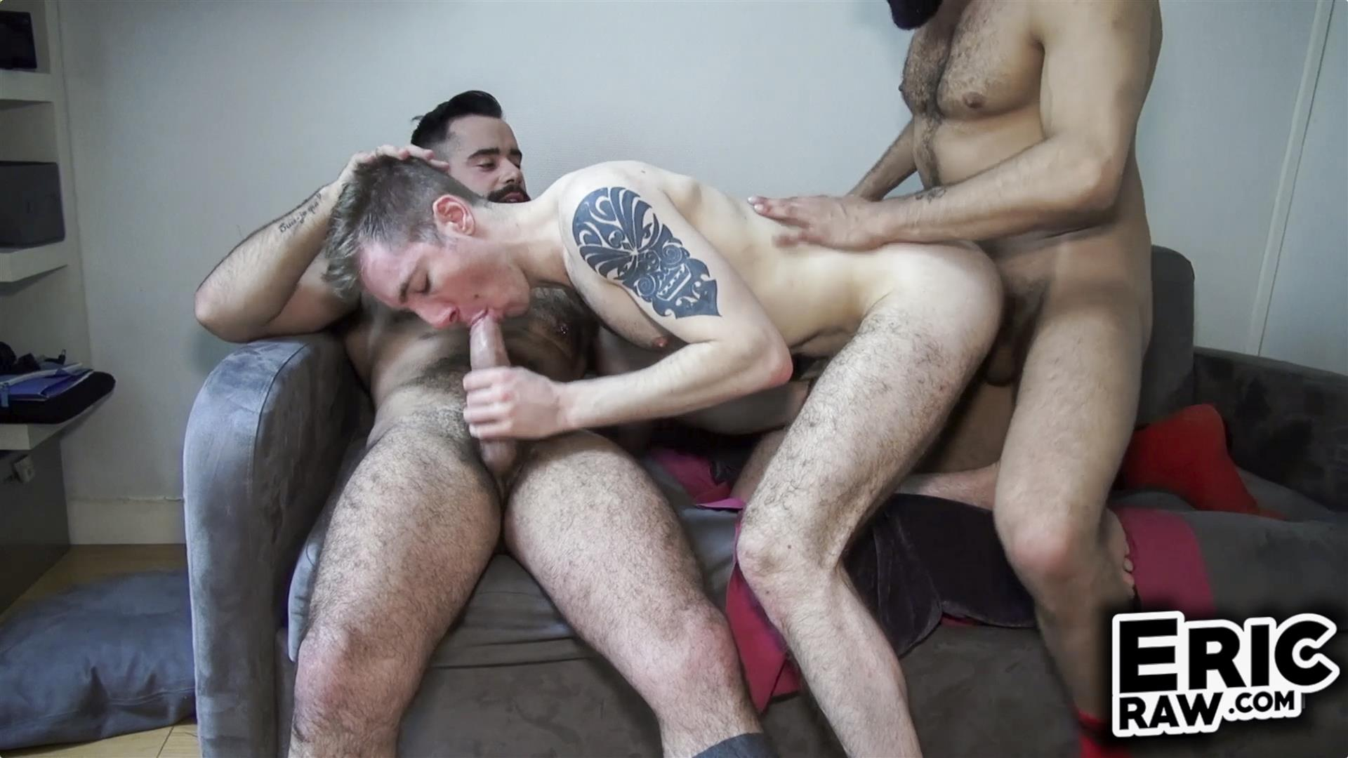 Eric-Raw-Bareback-Threesome-Hairy-Muscle-Hunks-Amateur-01 Bareback Fuck Date With Three Hairy Muscular Jocks